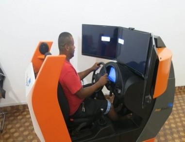 Simulador de direção para tirar carteira de motorista passa a ser opcional, decide Contran